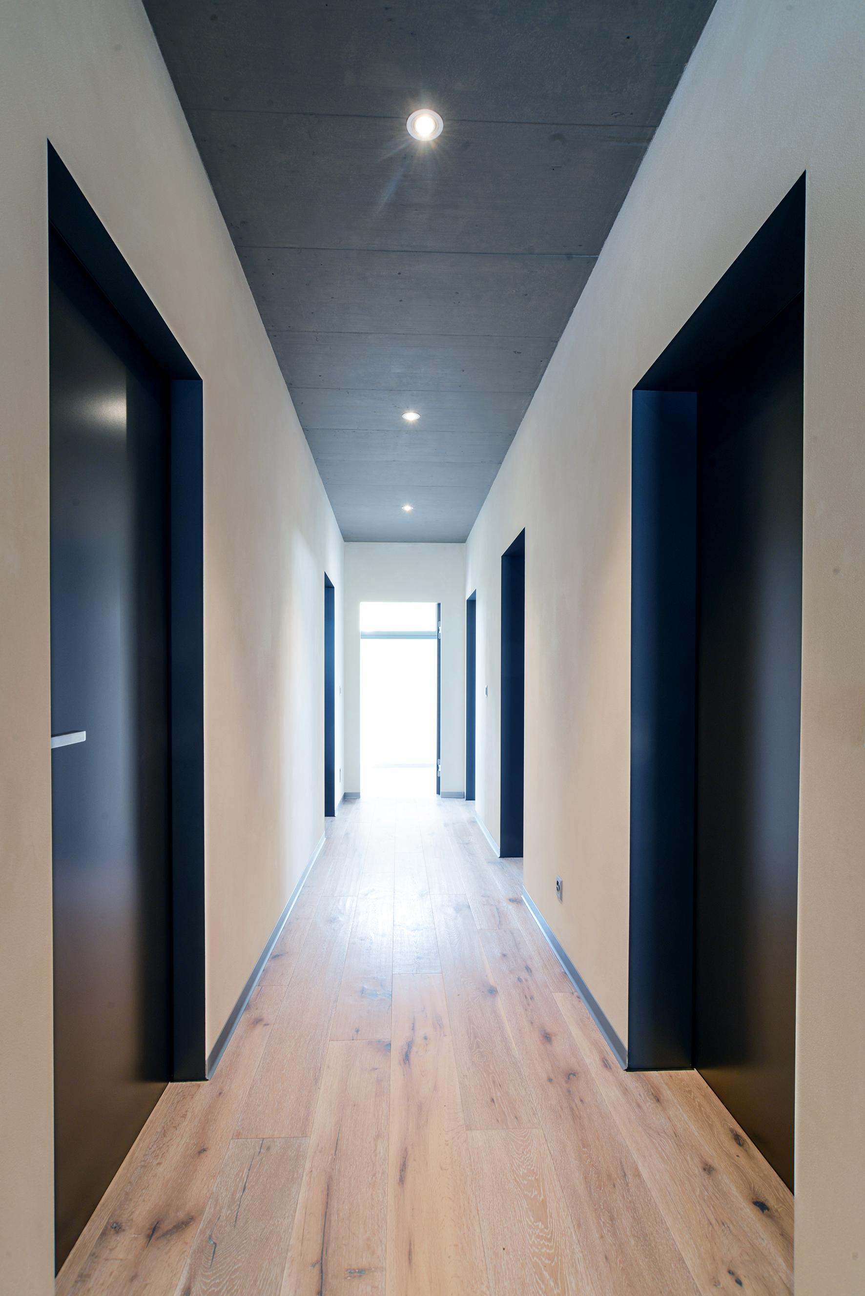 Fünf Innentüren im Wohnhaus in Baden